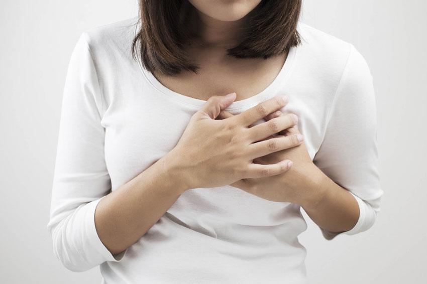 علائم درد و حساسیت سینه