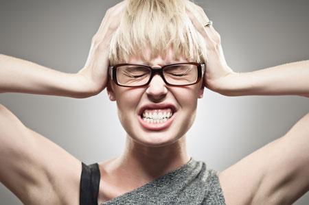 علائم زودهنگام بارداری : سردرد