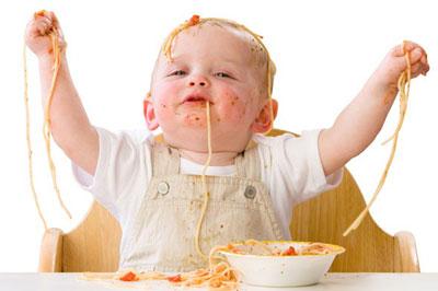 اولین غذا خوردن کودک