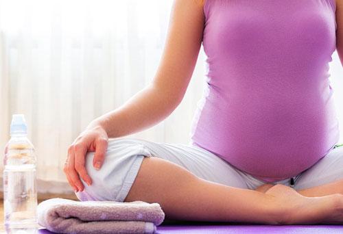 تاثیر یوگا بر بارداری