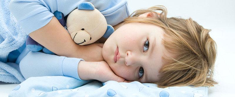 کودکی که نمیتواند به خاطر مشکلی بخوابد